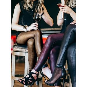 SPANX Very Black Faux Leather Leggings 🦋